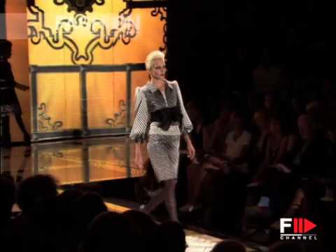 "Fashion Show ""Valentino"" Autumn Winter 2006 / 2007 Haute Couture 1 of 4 by Fashion Channel"
