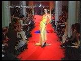 """""""Vivienne Westwood"""" Autumn Winter 1993 1994 Paris 4 of 5 pret a porter woman by FashionChannel"""