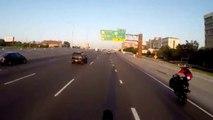 Un automobiliste fauche un motard en wheeling