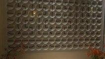 Horloge magnifique composée de 135 horloge - Ham Yard hotel - Londres