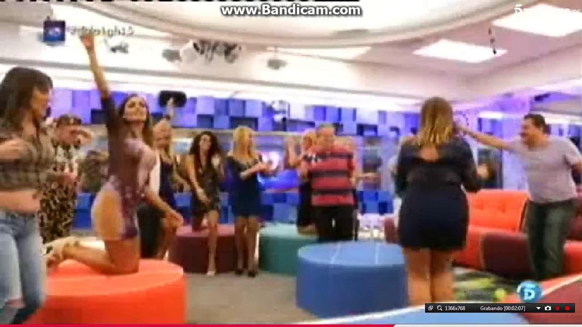 Lipdub De Mercedes Milá Y Ex Concursantes Gala 1