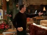 FRIENDS - Chandler chante : I Will Survive