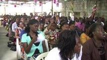 Gabon: le renouveau charismatique veut endiguer les évangélistes