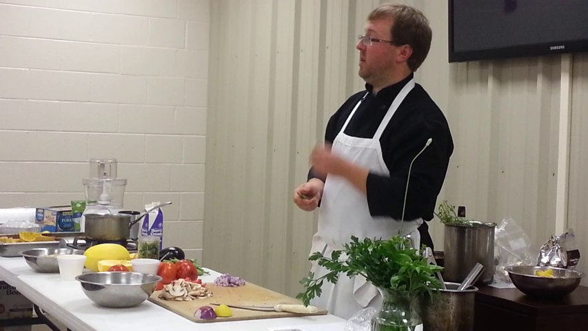 Salsa: Preparing Okra for recipe = step 1