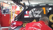 Rallye de France Alsace 2013 : les mécaniciens Citroën s'occupent de la voiture de Sébastien Loeb