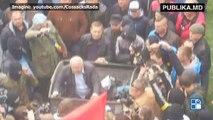 Trash Bucket Challenge în Ucraina. Un alt deputat a ajuns să fie aruncat în lada cu gunoi.  Alexandr Danilciuk