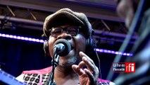 "Papa Wemba chante ""Simple rêve"" dans La Bande passante sur #RFI"