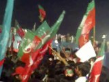 Raw footage of How Crowd welcomed Imran Khan on Stage 28th September