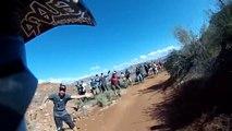 Un rider VTT Trial passe un 360° pendant sa descente - Red Bull Rampage 2014