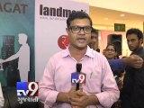 Author 'Chetan Bhagat' shares his views on Maharashtra Assembly Elections 2014, Mumbai - Tv9 Gujarati