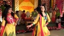 Sweet / Desi Girls Dance in Wedding (HD)