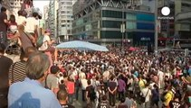 Hong Kong protesters suspend talks with govt after violent scuffles