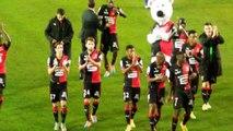 04/10/14 : SRFC-RCL : les joueurs saluent le kop