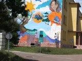 La sixième fresque à l'Aubradou, Festival d'Art contemporain de Saint-Florent-sur-Auzonnet