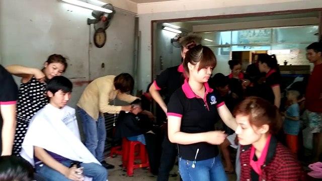 Lớp dạy cắt tóc Tomiluc thực hành ngoại khóa tháng 10/2014