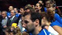 Il selfie di Renzi con la nazionale di pallavolo femminile