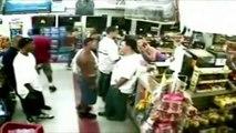 Ghetto fight dans un super marché