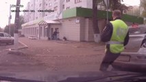 Russian Policeman Commandeers Car That Witnessed Hit And Run