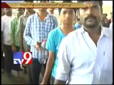 Hud Hud cyclone - Vizag faces petrol shortage,long queues at bunks - Tv9