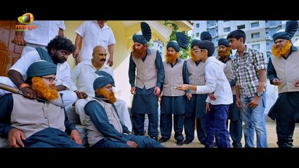 Amrutham Chandamama Lo Scenes -  Srinivas Avasarala & Harish Koyalagundla escape from Ahuti Prasad