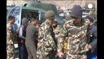 Nepál: 26 túrázó meghalt, 100-at még keresnek a Himaláján