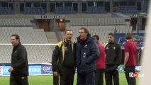 Laurent Blanc vient saluer Georges Leekens au Stade de France