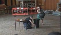 Une expérience spectaculaire avec de l'azote et des balles de ping-pong