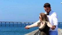 Il rejoue la mythique scène de Titanic avec des inconnus