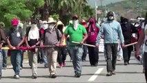 Manifestantes incendian alcaldía de Iguala