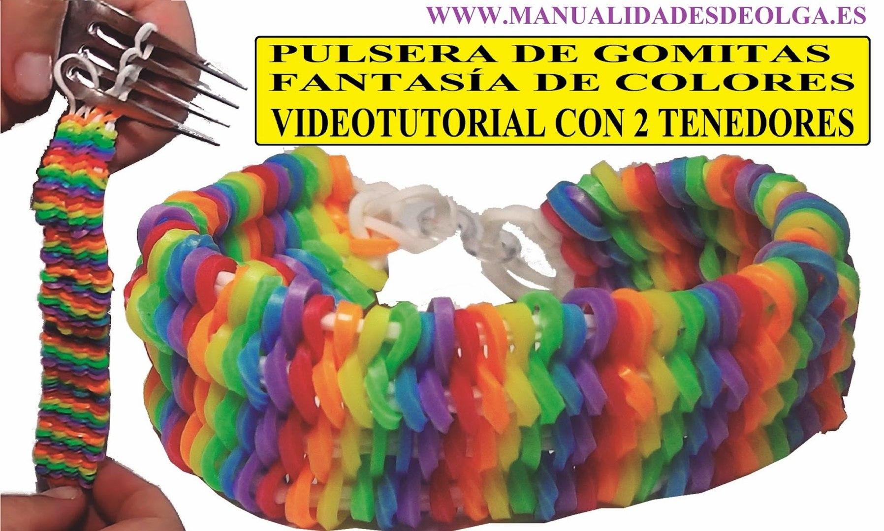 2543be41e8d0 COMO HACER PULSERA DE GOMITAS FANTASÍA DE COLORES CON 2 TENEDORES  VIDEOTUTORIAL BRACELET SIN TELAR