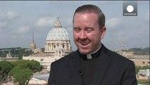 Η καθολική εκκλησία το 'ριξε... στο χορό και το τραγούδι