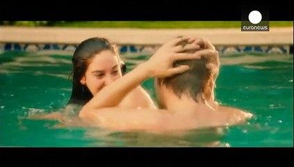 برهنگی در فیلم «پرنده سپید در بوران»