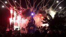 Spectacle nocturne, feux d'artifice, lasers de Disneyland Paris 2014