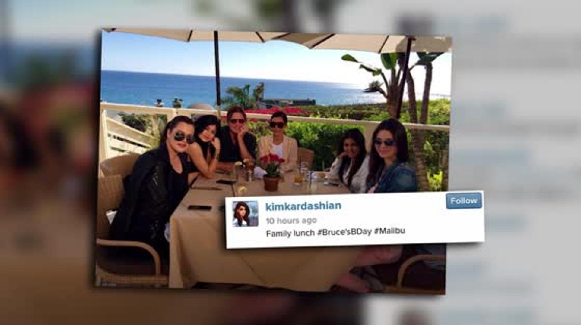 Der Kardashian Clan feiert den Geburtstag von Bruce Jenner