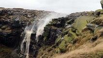 A cause du vent extrême, les chutes d'eau s'envolent en l'air !