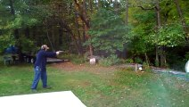 Faire tomber un arbre en tirant dessus! Smith&Wesson 500 fail.
