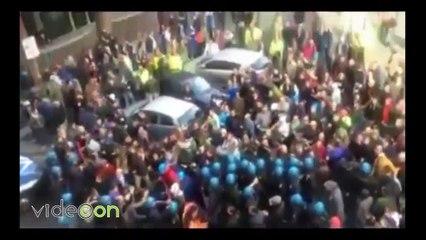 Scontri Ast di Terni a Roma, video verità: gli operai attaccano la polizia e ci sono feriti