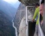 La route la plus dangereuse du monde !