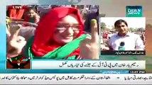 "PTI Woman supporter in Rahim Yar Khan Jalsa declares Imran Khan the ""Rebirth of Jinnah"""
