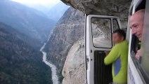 Une route de montagne à faire flipper les plus courageux - Himalaya!