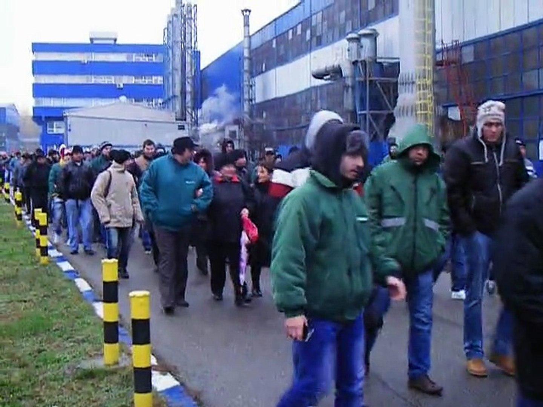 mars 400 oameni in greva la otelinox targoviste 13.11.2014