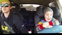 Un papa du drift avec son fils de 3 ans