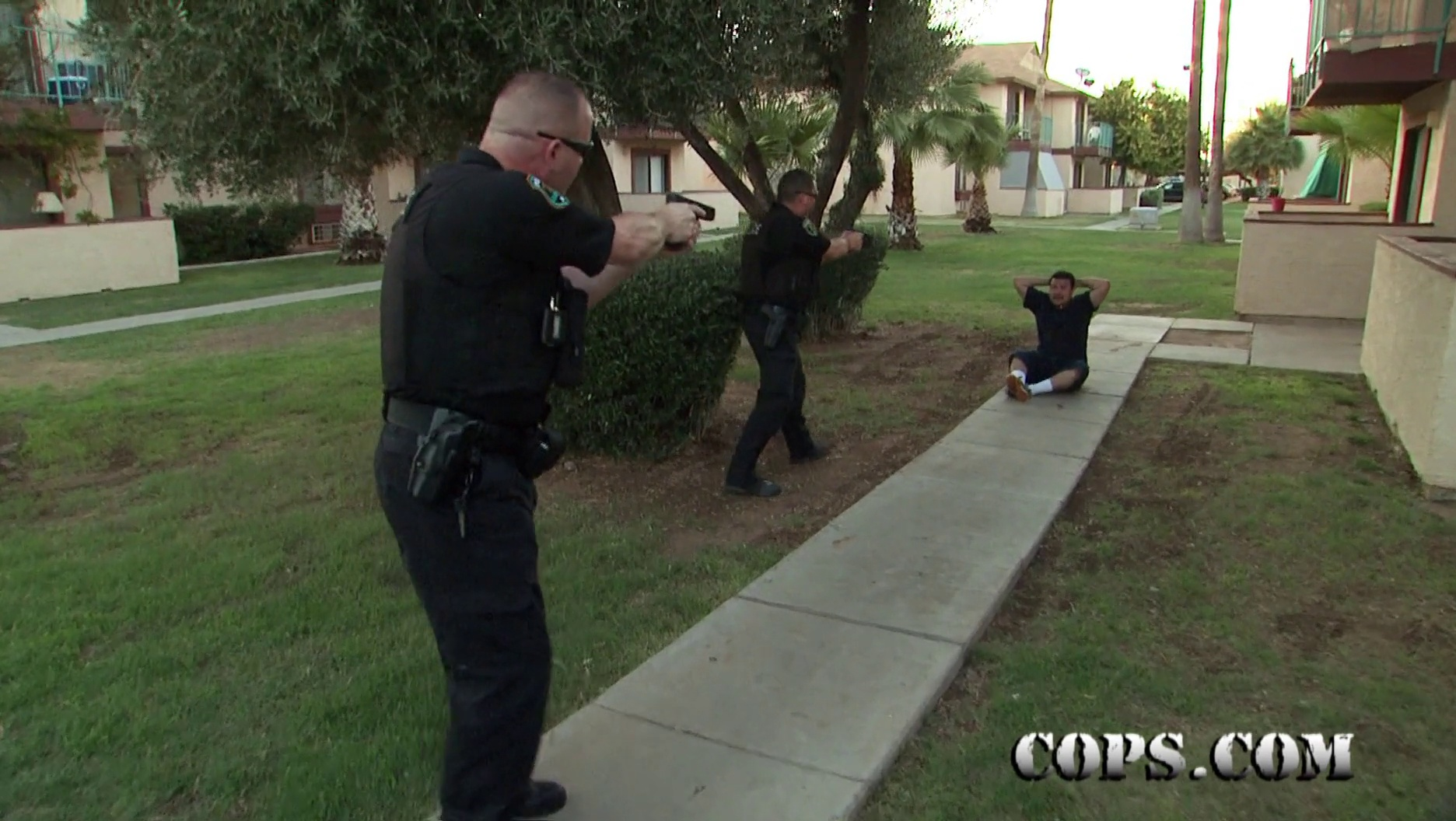 COPS Show 2716 Airs November 15th on SPIKE @ 8/7 central