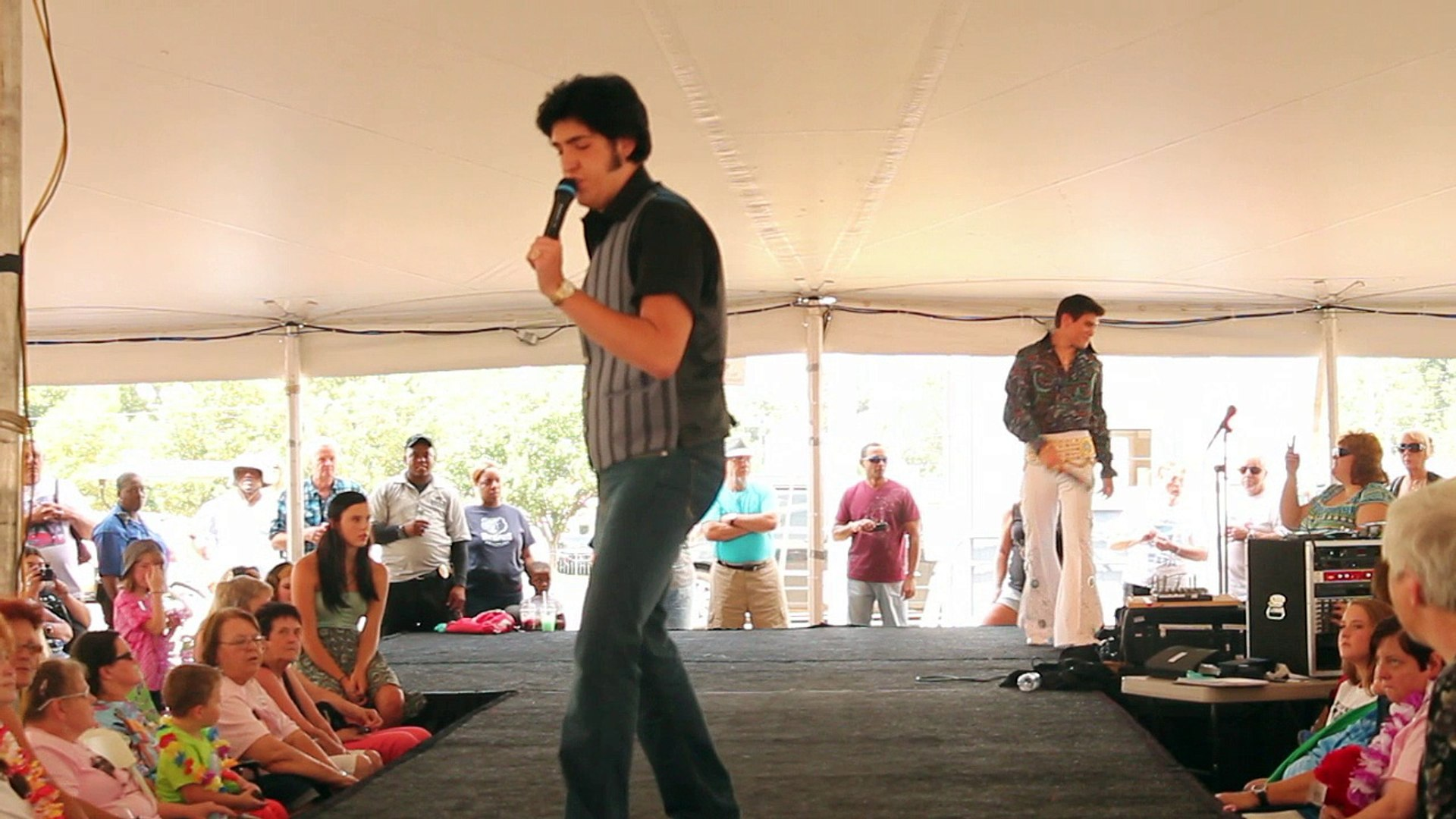 Austin Irby & Taylor Rodriguez sing 'Spinout' Elvis Week 2014 video