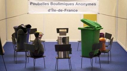 Au domicile (les poubelles boulimiques anonymes)
