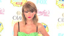 Taylor Swift Has Been Sending Her Fans Awesome Christmas Presents