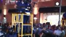Χονγκ Κονγκ: «Πύργοι» της αστυνομίας εναντίον διαδηλωτών