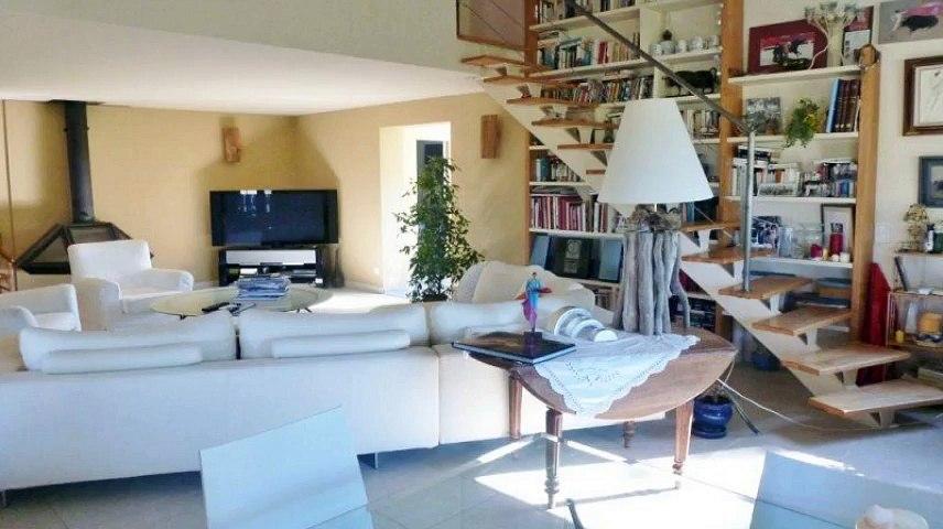 A vendre - Maison/villa - Saintes Maries De La Mer (13460) - 7 pièces - 180m²