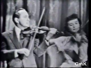 "Un duo légendaire : Gisele MacKenzie & Jack Benny  dans ""Getting to Know You"""