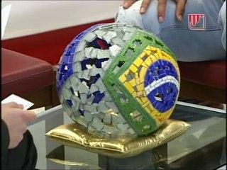 Luis Fabiano reçoit le Samba d'Or 2009 à Séville